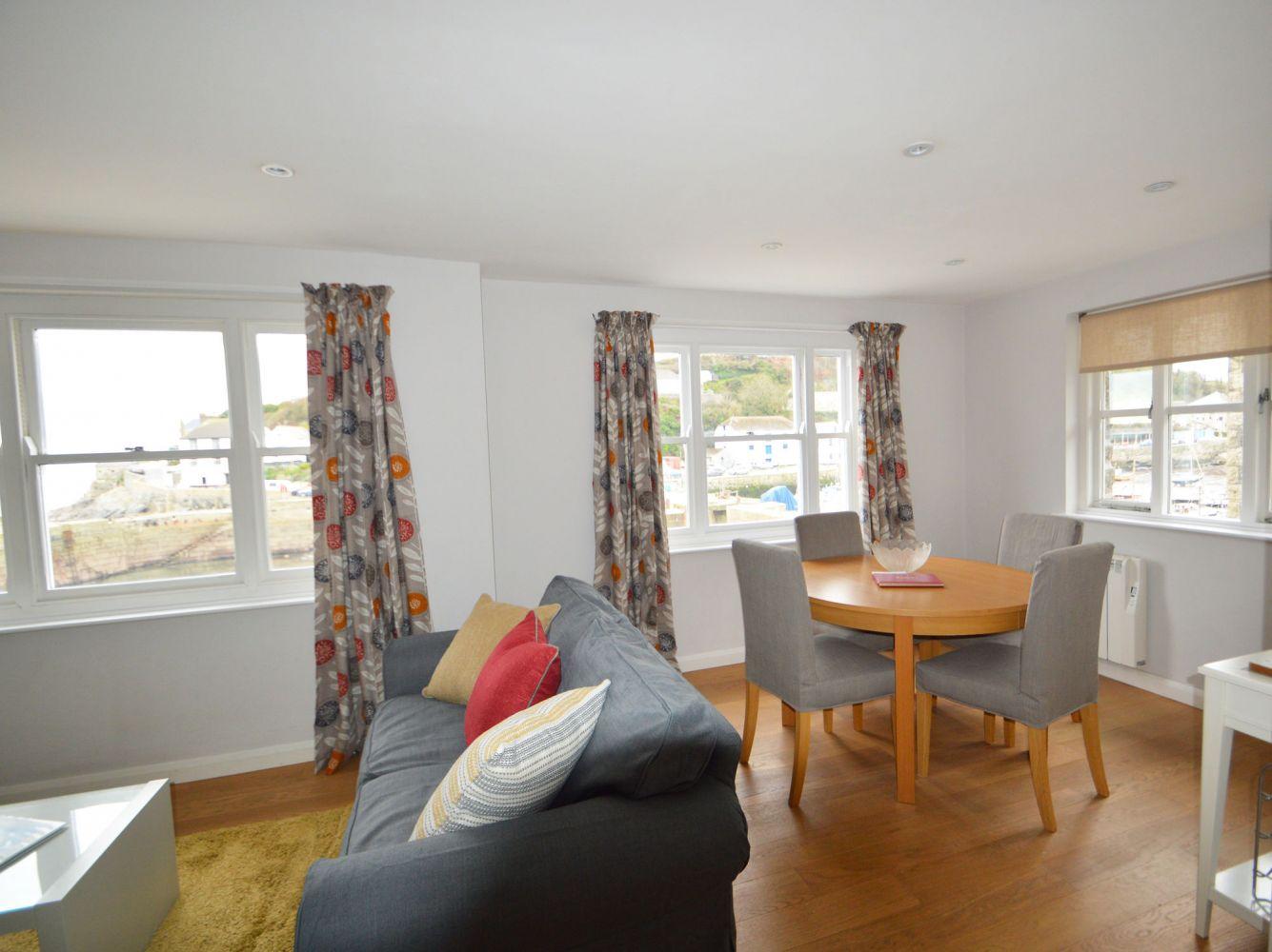 Harbourside Apartment - Porthleven Holiday Cottages