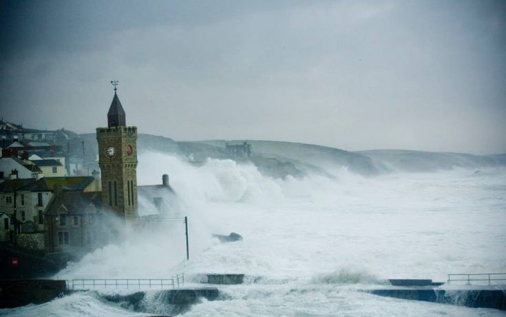 Porthleven Storm watching