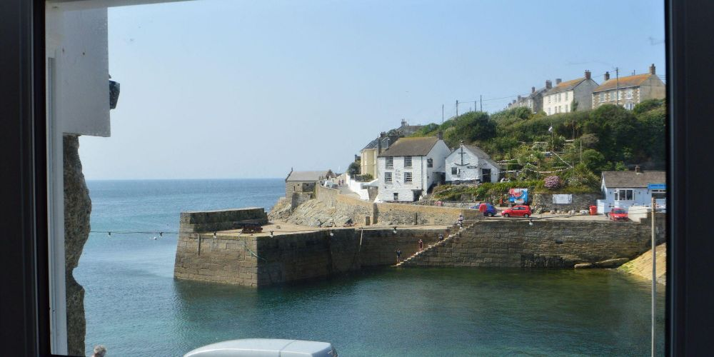 Wave Crest - Porthleven Holiday Cottages